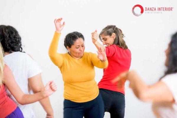 Enfermedad y emociones significado emocional de las enfermedades tratamiento lupus psoriasis artritis reumatoide crohn fibromialgia enfermedad crónica danzaterapia danza interior